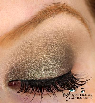 Spotlight On: MAC Greensmoke - My Eyeshadow Consultant