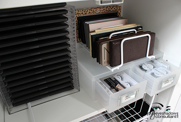 Oh And By The Way Mac Palettes Are Housed In An Acrylic Dvd Rack That Can Hold 14