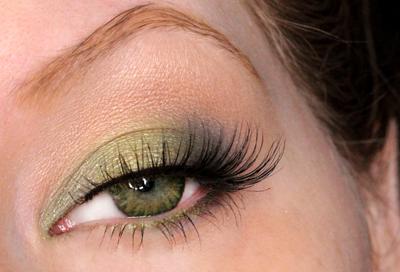 How to Wear Green Eyeshadow | Dark Green Eyes